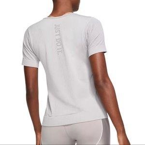 Nike Infinite Run Short Sleeve Seamless Top Grey
